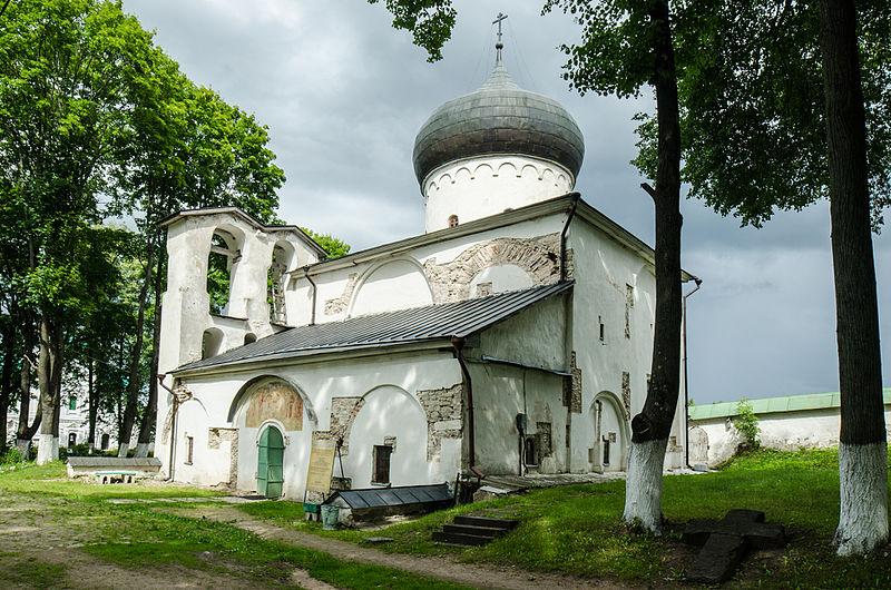 Собор Преображения Господня в Спасо-Преображенском Мирожском монастыре (1156) в Пскове