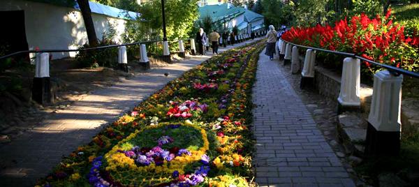 Псково-Печерский монастырь. 27-29 августа. Святогорский монастырь. 28 августа
